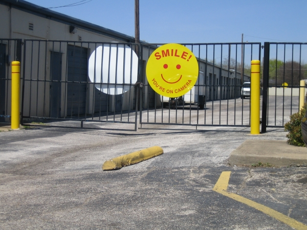 Watson & Taylor Self Storage - Garland - Photo 4