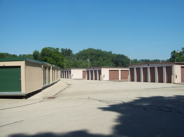 Moore Self Storage - Rodi - Photo 7