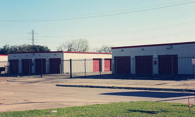 Great Value Storage - Beechnut St. - Photo 2