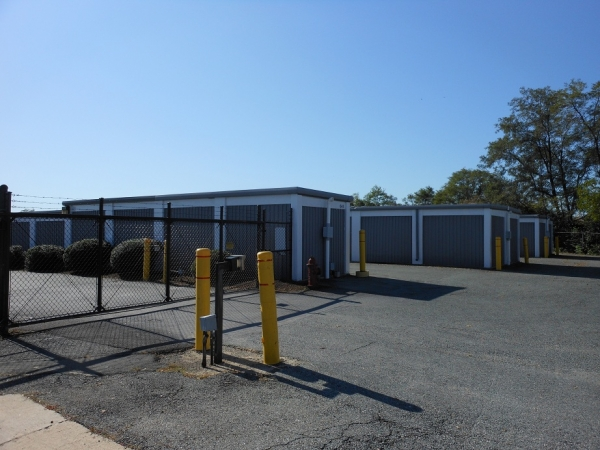 Gude Self Storage - Photo 2