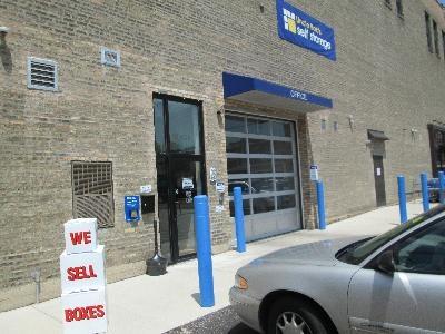 Uncle Bob's Self Storage - Chicago - North Broadway - Photo 5