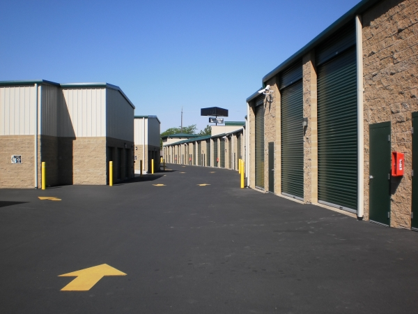 Self Storage & RV - 4th & Eastern - Photo 5