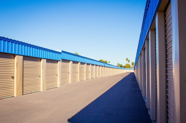 US Storage Centers - Glendale - Photo 2