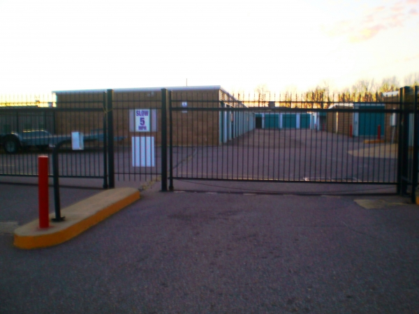 Stateline Self Storage - Photo 2