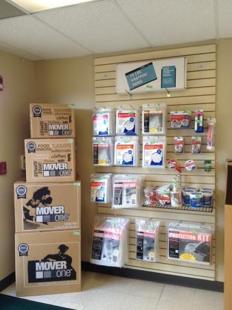 Getwell & Shelby Mini Storage - Photo 8