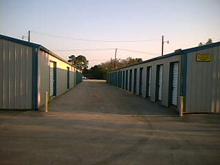 Nook & Cranny Self Storage - Photo 3