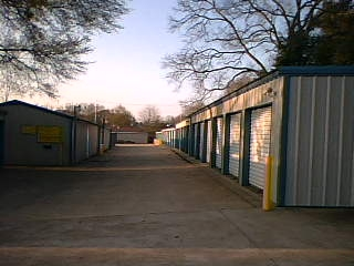 Nook & Cranny Self Storage - Photo 1