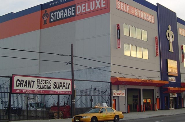 Storage Deluxe - 21st Street - Photo 5
