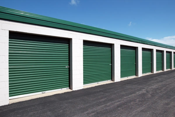The Lock Up Storage Centers - Northbrook - Photo 4