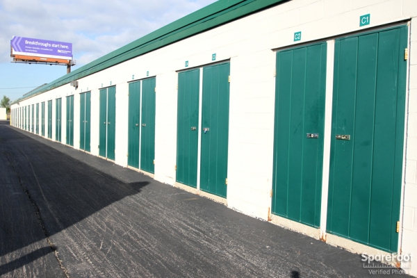 The Lock Up Storage Centers - Northbrook - Photo 9