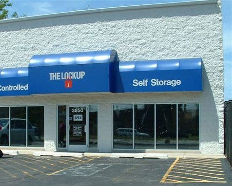 The Lock Up Storage Centers - Lincolnwood - Photo 4