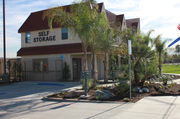 E Street Self Storage - Photo 2