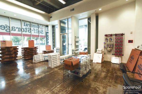 Central Self Storage - Portland - Photo 15