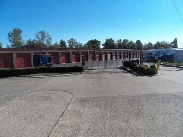Devon Self Storage - Macon - Photo 1