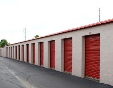 Devon Self Storage - American Way - Photo 3