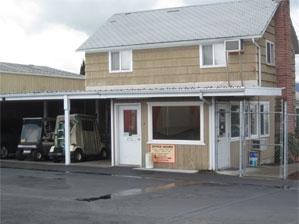 Mini-Storage Warehouse - Photo 2