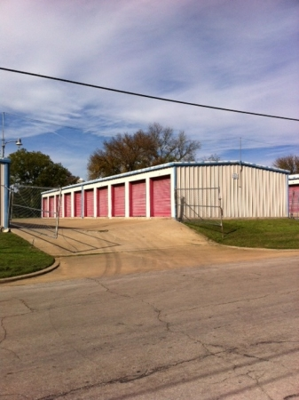 Tri Star Self Storage - Clark Ave - Photo 1