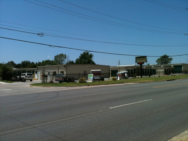 Lakeview Self Storage, LLC - Photo 6
