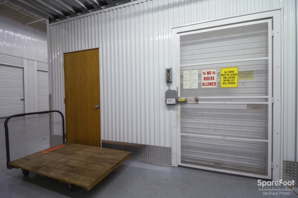 Central Self Storage - Bloomington - Photo 8
