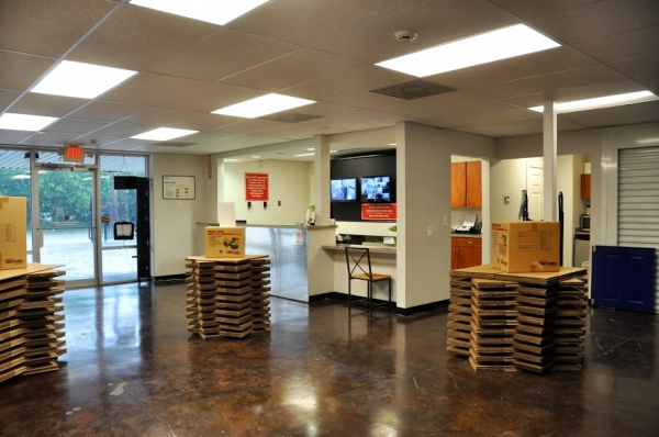 Big Tex Storage - Midtown - Photo 6