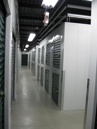 Self Storage Zone - Taylor Street - Photo 6