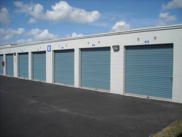 Doral Self Storage - Photo 3
