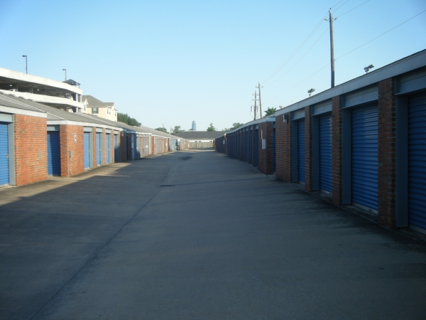 Security Self Storage - South Main - Photo 4