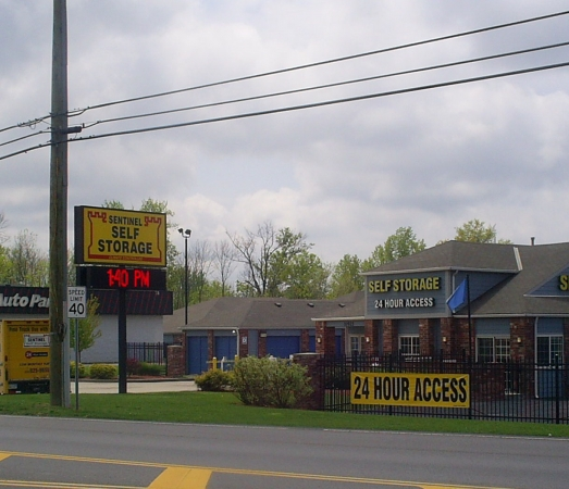 Sentinel Self Storage - Hamilton - Photo 4