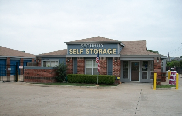 Security Self Storage - Forest & LBJ - Photo 2