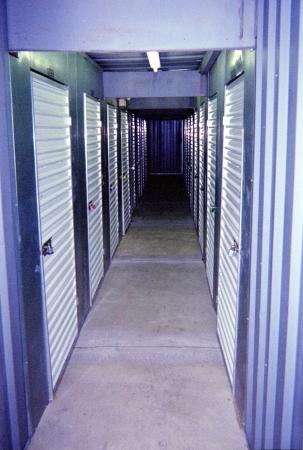 Mini U Storage - Capital Plaza - Photo 3