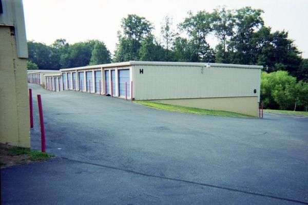 Mini U Storage - Capital Plaza - Photo 4