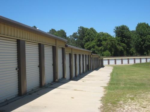 Lake Warehouse Mini Storage - Photo 4