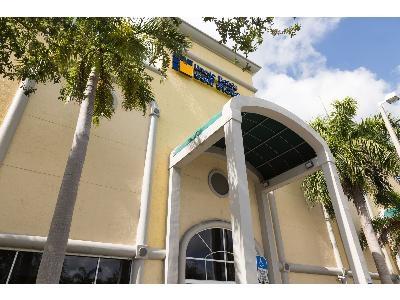 Uncle Bob's Self Storage - Fort Lauderdale - 747 Northeast 3rd Avenue - Photo 7