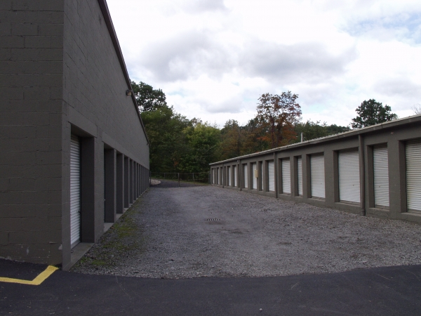 Atlas Self Storage - North Hills - Photo 2