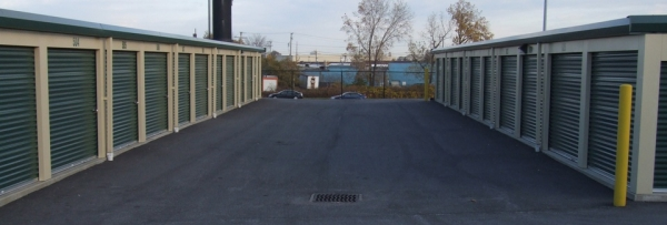 Triskett Road Storage - Photo 4