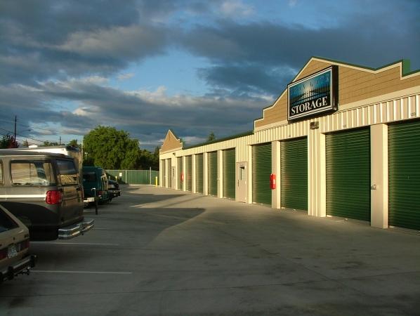 Iron Gate Storage - Pearson Airport - Photo 3