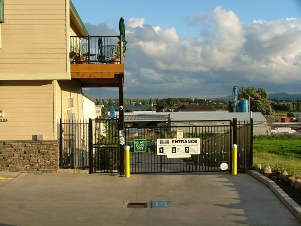 Iron Gate Storage - Pearson Airport - Photo 11
