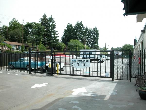 Iron Gate Storage - Pearson Airport - Photo 12