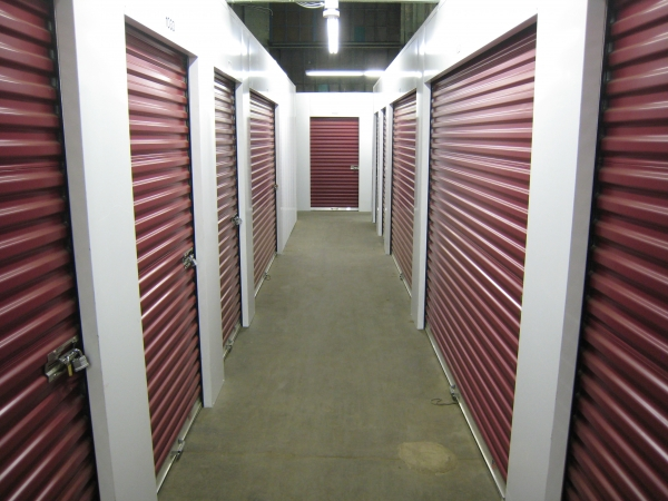 Locker Room Self Storage - Photo 2