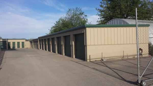 Far West Storage - Doniphan Dr. - Photo 1