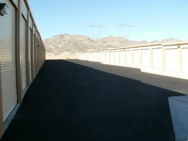 Laughlin Self Storage - Photo 7