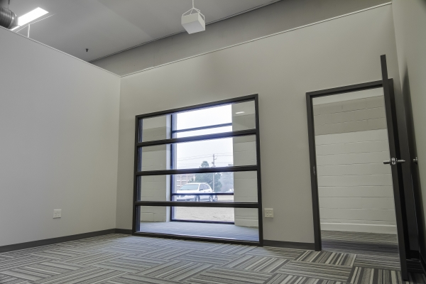 Guardian Business Center - Photo 14