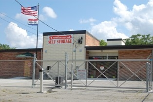 Continental Self Storage - East Park Ave. - Photo 1