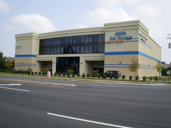 AAAA Self Storage - Portsmouth - Victory Blvd. - Photo 2