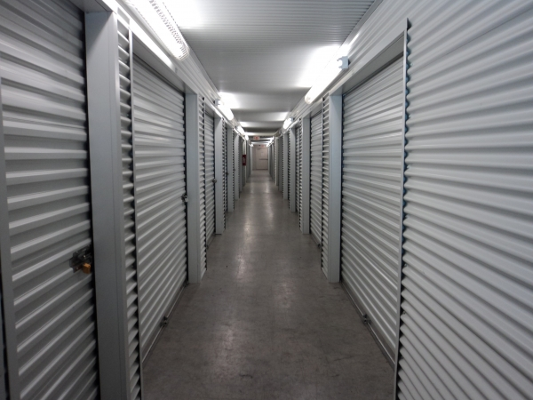 LockTite Storage - Pasadena - Photo 4