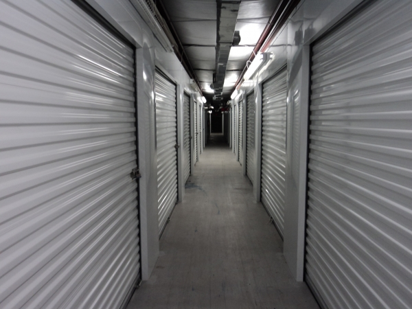 LockTite Storage - Pasadena - Photo 7