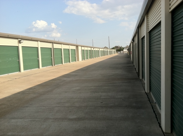 LifeStorage of Westchase - Photo 3