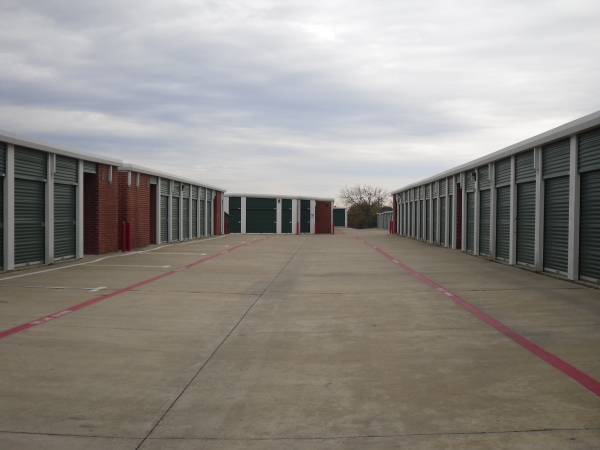 STORE MORE! Self Storage - Grand Prairie - Photo 9