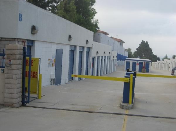 US Storage Centers - La Crescenta - Photo 3