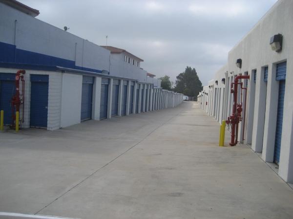 US Storage Centers - La Crescenta - Photo 4